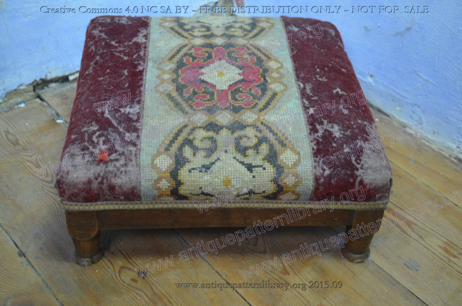 F-JF003 Embroidered footstool