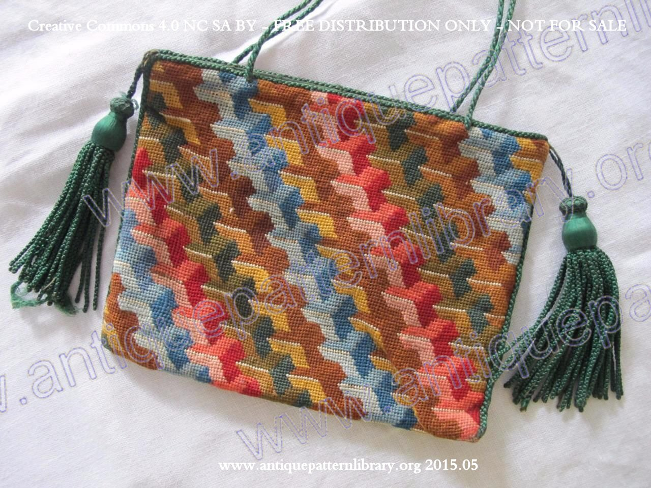 F-RT001 Purse embroidered in Berlin woolwork
