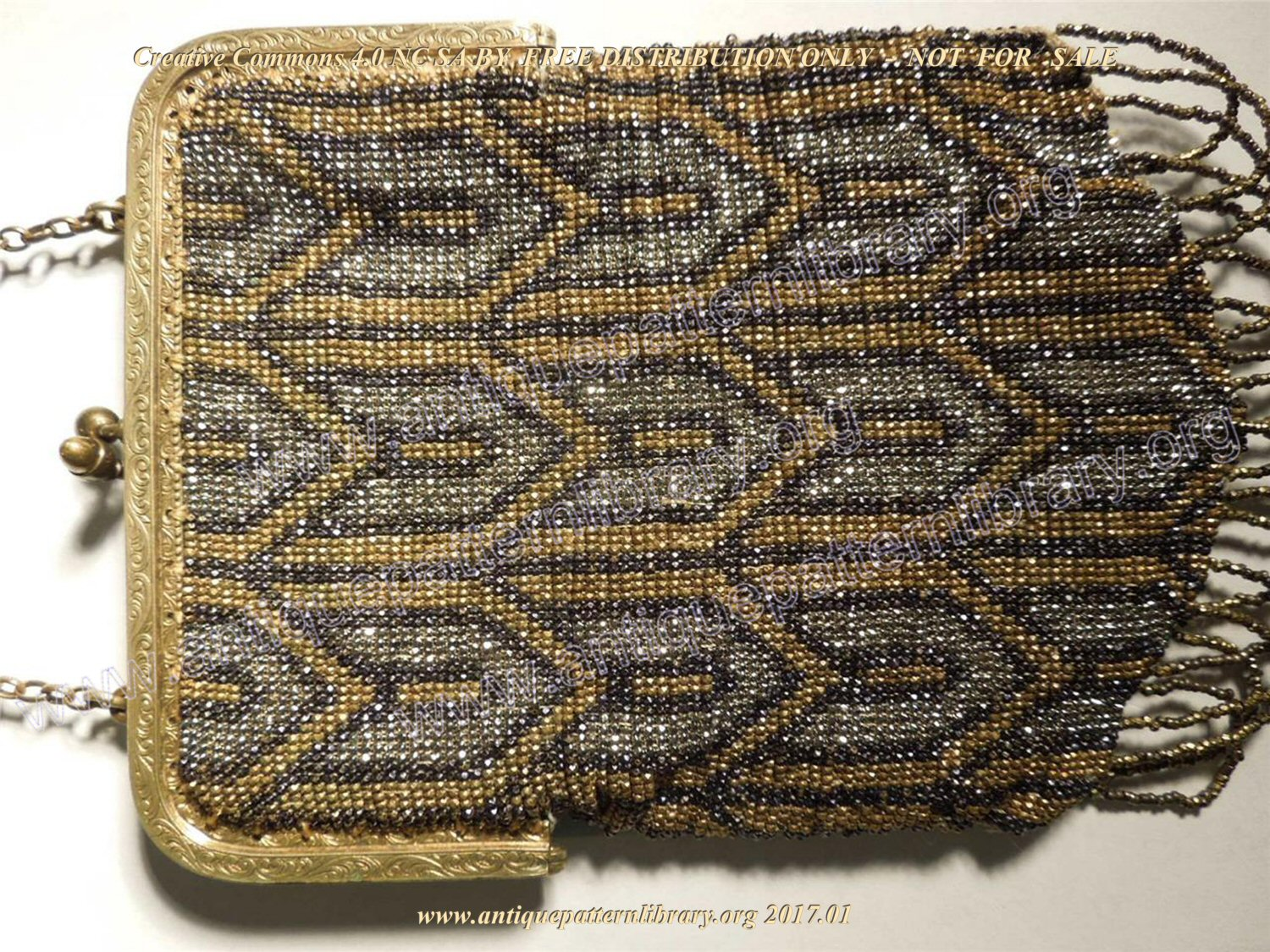 G-GT002 Art-Deco-Bag-France-Mesh-Beads-Purse-Gold-Silver-Black-Geometrical-Fringe-Chain-121877276145