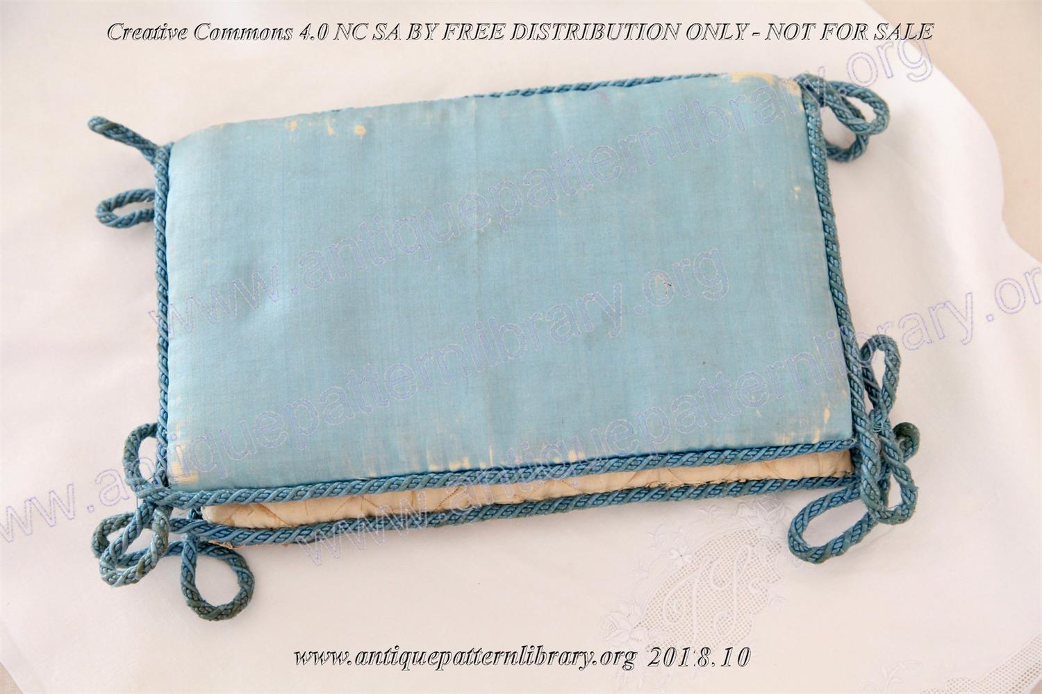 I-BD001 Silk pouch with lace and silk ribbons